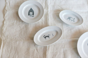 Classiky Toranekobonbon Oval Plate Small (Cat/Dog)