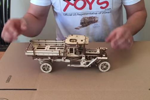 UGears Mechanical Model Truck UGM-11 Start and Operation Video