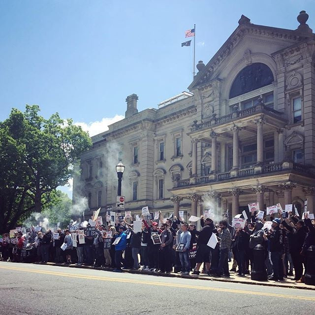 Trenton, NJ holds protest against both State and FDA e-cig regulations