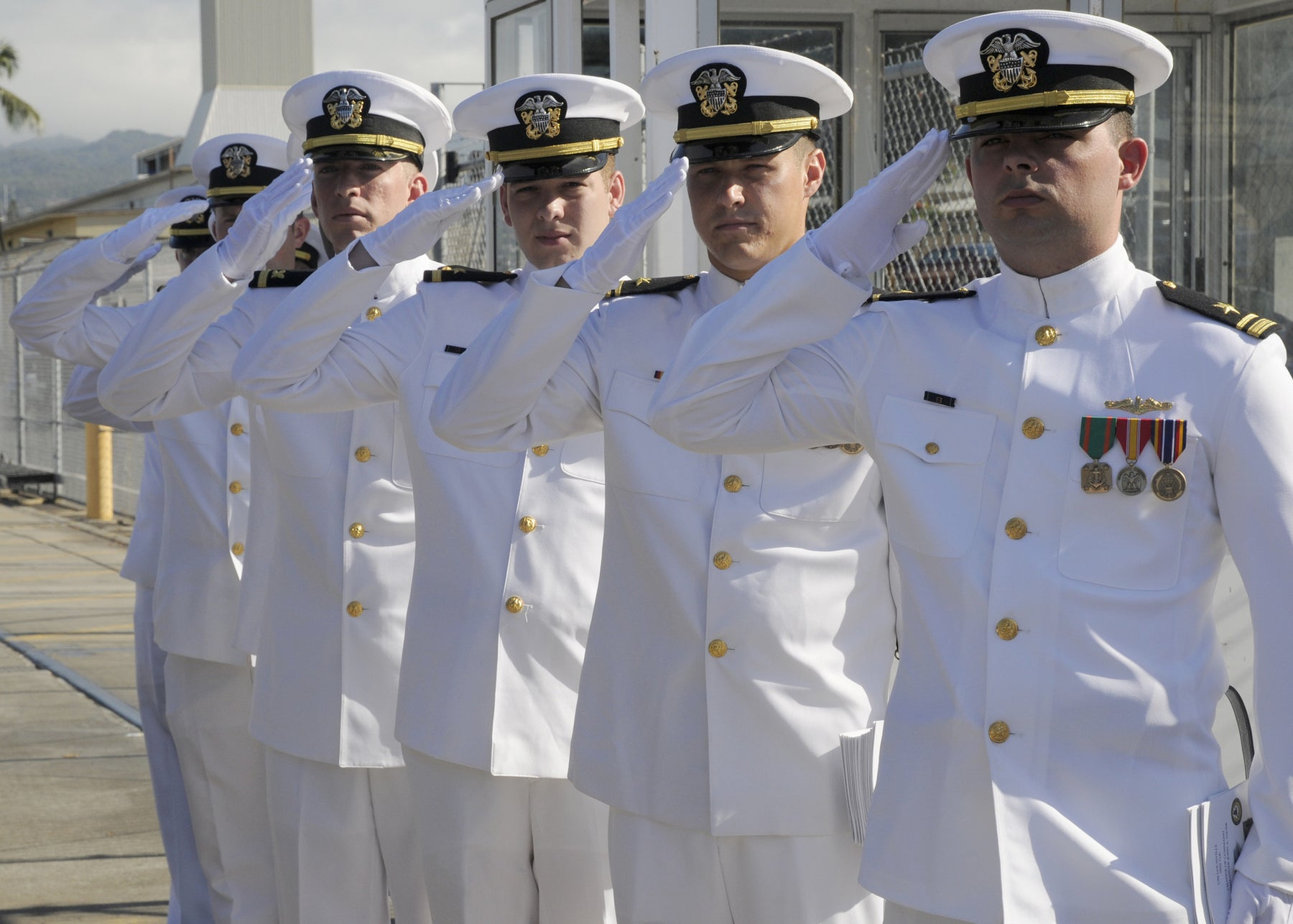 U.S. Navy considers new stance on vaping
