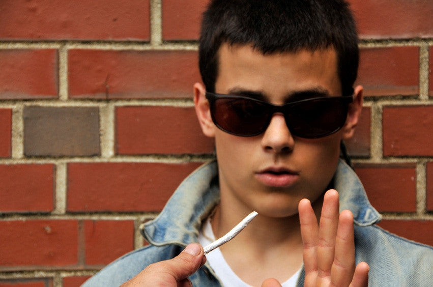Teen vaping? New UK e-cig study shows 66 percent of vapers are over 40