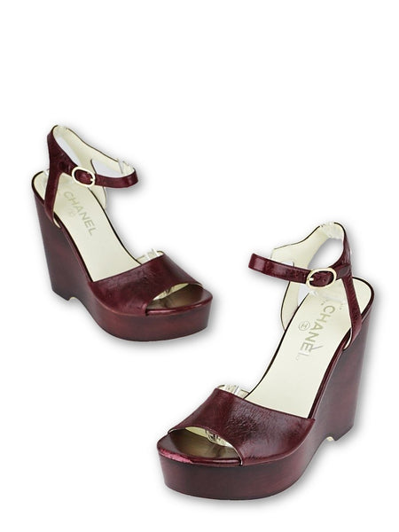 CHANEL Burgundy Leather Platform Wedge Sandals Size 37 1/2 Ladies