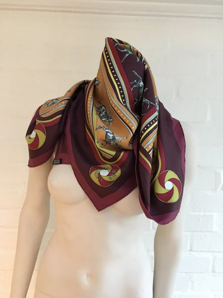 "Hermès HERMES BURGUNDY, ORANGE AND RED SILK SCARF EQUESTRIAN ""SEQUENCES"" 90cm Ladies"