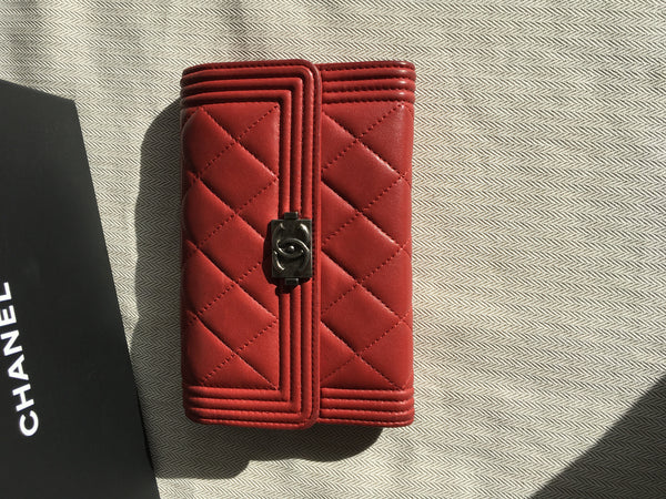 CHANEL Authentic $1,295.00 Chanel Boy Red Quilted Leather Wallet Ladies