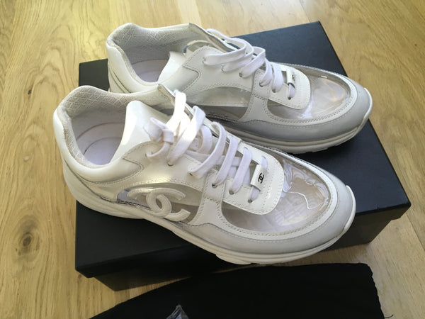 CHANEL 2018 White CC Low-Top Sneakers Trainers Shoes Ladies