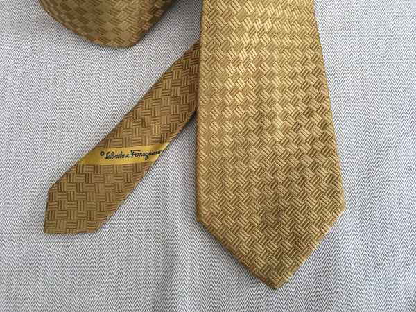 SALVATORE FERRAGAMO WOVEN YELLOW SILK NECKTIE TIE MEN