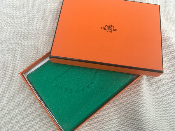 Hermès Hermes Paris Chevre Mysore Evelyne Card Wallet in Green Men