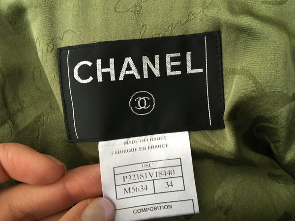 CHANEL : Napoleon-Tweed jackets with epaulette 08 C Size F 34 UK 6 Ladies