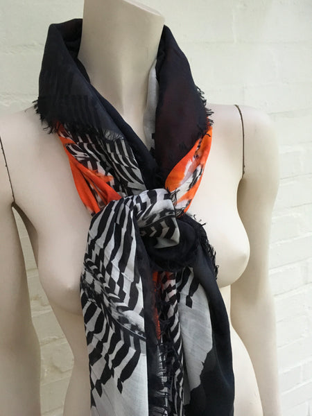 ALEXANDER MCQUEEN KNITTED FEATHER SKULL PRINT SILK BLEND SCARF AMAZING Ladies