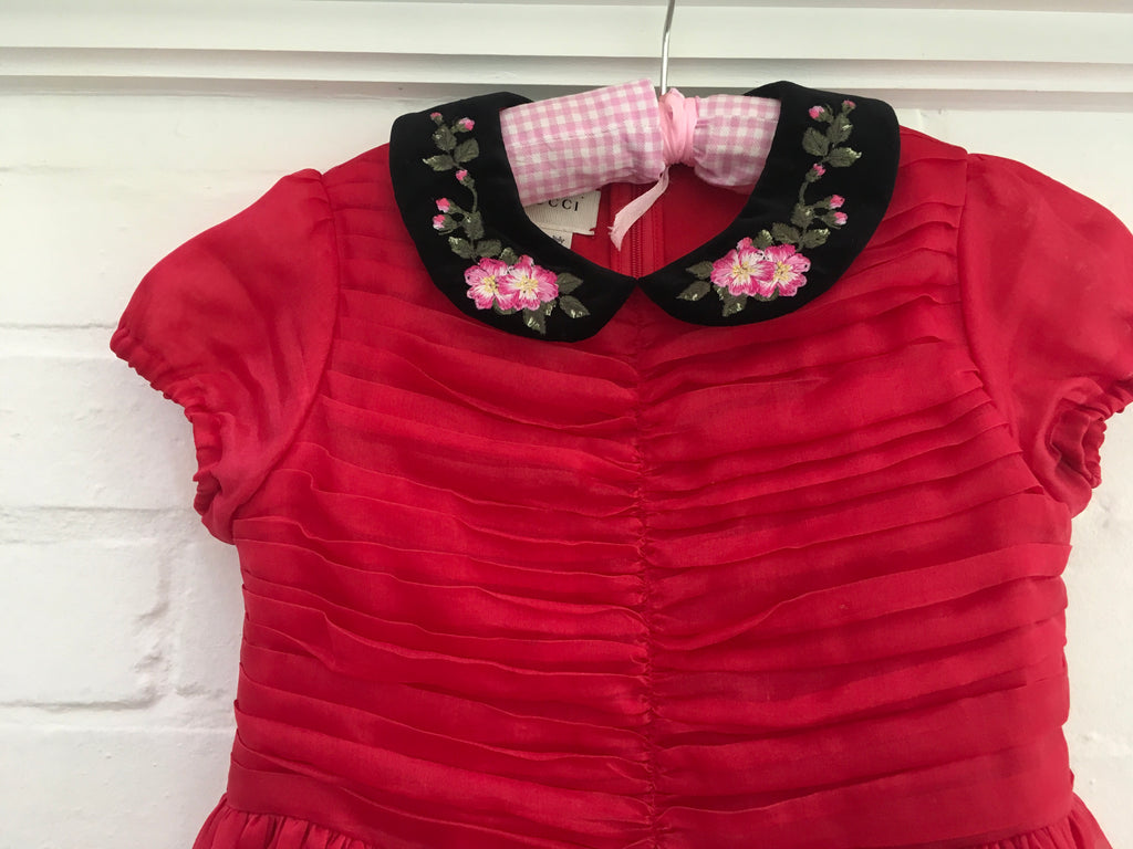 46f01f86e3 GUCCI 2017 2018 GIRLS EMBROIDED RED BLIND FOR LOVE SILK DRESS CHILDREN –  Afashionistastore