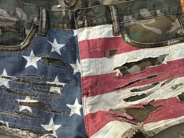 Ralph Lauren Denim & Supply Vintage American Flag Cut Off Camo Shorts Size 28 LADIES