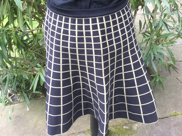 Ohne Titel NWT $425 Checked design  Skirt SZ L Large  LADIES