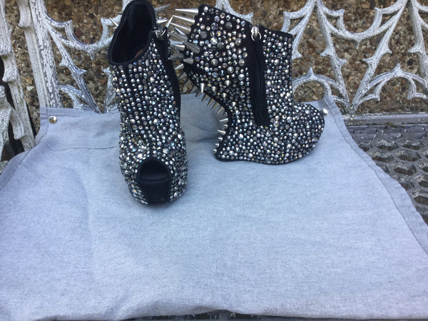 Giuseppe Zanotti Lady Gaga Silver Swarovski Crystal and Spikeembellished Contoured Wedges Shoes 39 1/2 Ladies