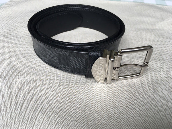 LOUIS VUITTON Spring 2018 black and charcoal Damier Graphite Belt 85/34 BC4125 Men