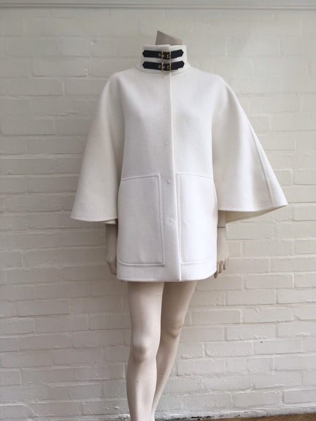 EMILIO PUCCI 2017 RUNWAY Wool Angora White Cloak Cape IT 38 US 4 UK 6 S Ladies