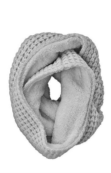 Uniqlo WOMEN Grey Fleece Snood Cable Knit Scarf Collar ladies