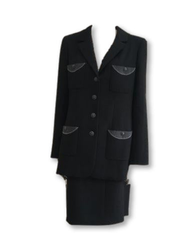 Amazing Chanel 08A Black Wool Jeweled Iconic 2-piece skirt suit F 44 UK 16 US 12  Ladies