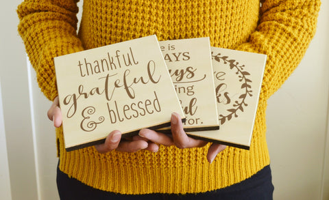wooden farmhouse thanksgiving signs