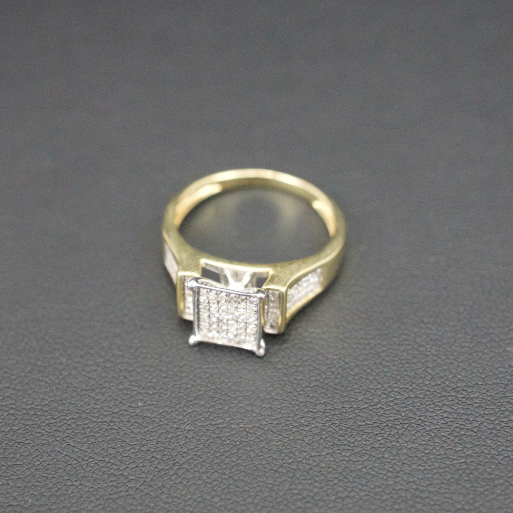Gold & Diamond Ladies Ring #18