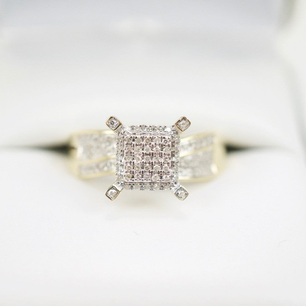 Gold & Diamond Ladies Ring #28