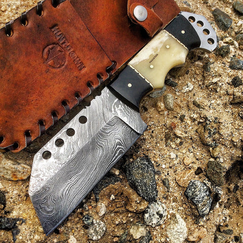"Hunt-Down 8.5"" Full Tang Damascus Blade Horn Handle Hunting Knife With Sheath"