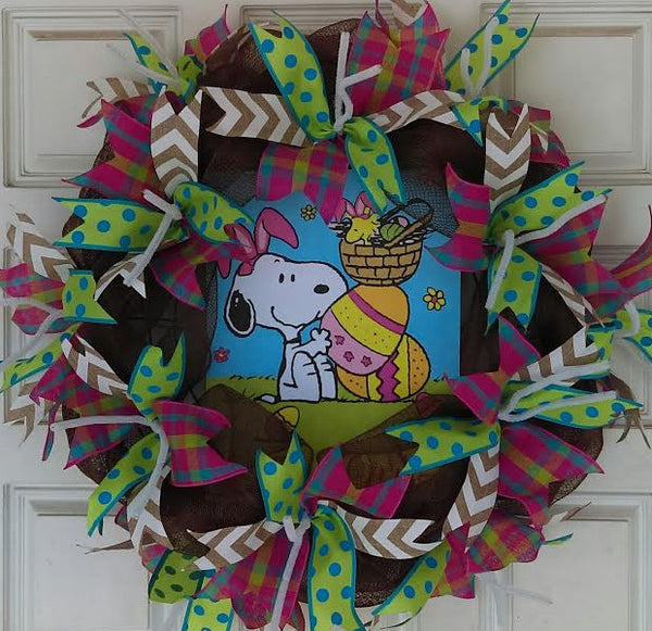 Charlie Brown Easter Snoopy Deco Mesh Door Wreath 20""