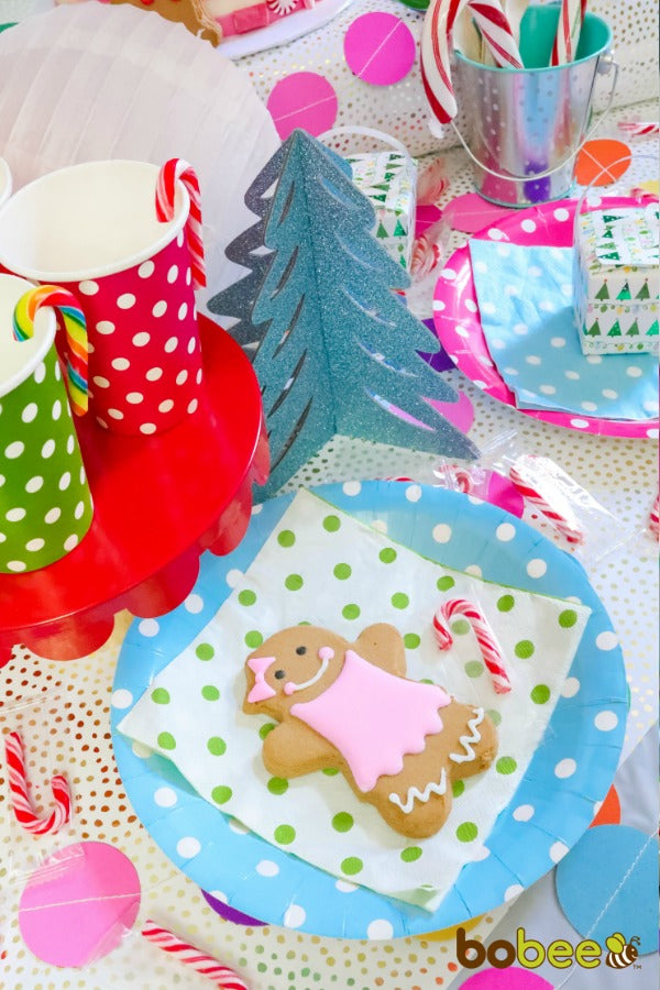 pink gingerbread cookie plate