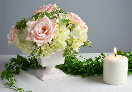 DIY flowers | DIY bride | DIY wedding | blush centerpiece | white hydrangeas | blush pink roses | white spray roses | blush pink stock | silver queen pittosporum | DIY arrangements
