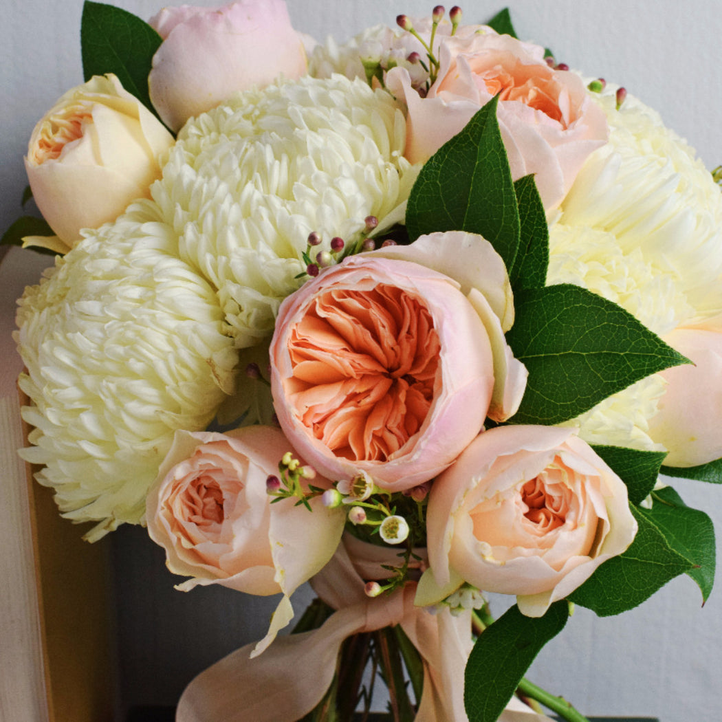 Roses In Garden: Peach Garden Rose Bridal Bouquet
