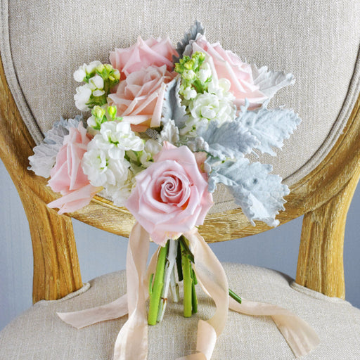 DIY bridesmaid bouquet | DIY bridesmaid flowers | pink rose | sweet escimo | white stock | dusty miller | DIY flowers | DIY bride | DIY wedding | pink white grey | pastel bridesmaid flowers | pastel bridesmaid bouquet