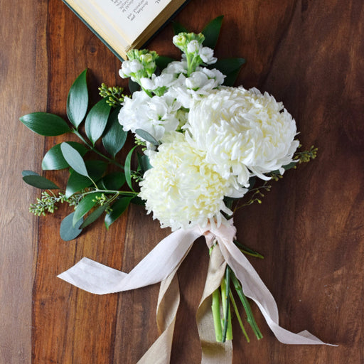 White Organic Bridesmaid Bouquet - Makes 4