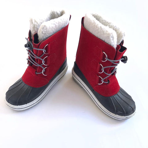 Bon Voyage: Muddy Puddles Snow Boots size 2