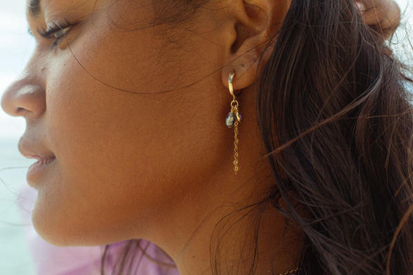 'una'una earrings