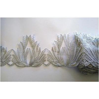 LT-035: Silver feather look lace trim