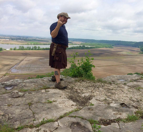 outdoorsman-shane-aden-hiking-outdoors-in-sport-utility-kilt