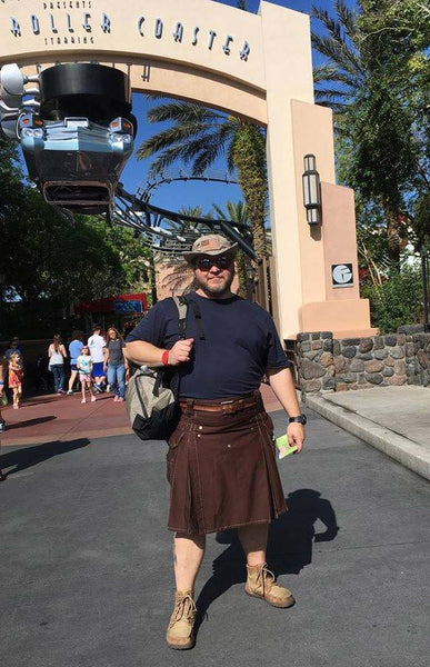 Rider of roller coasters, wrangler of kits, wearer of kilts