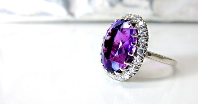 What Makes Vintage Jewelry Vintage? amethyst ring
