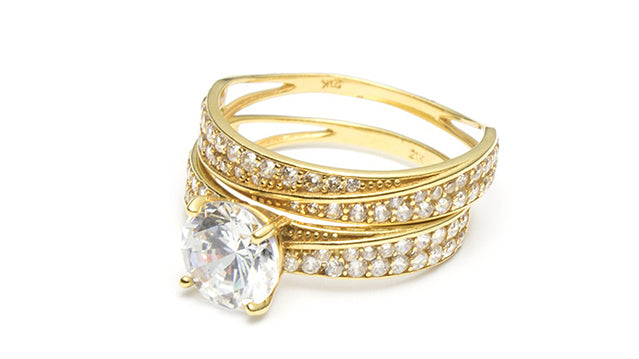 How to clean gold with diamonds jewelry and rings