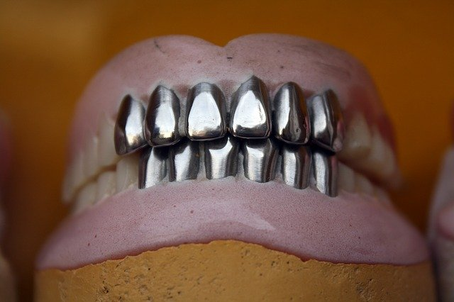 worst ways to clean your jewelry metal teeth