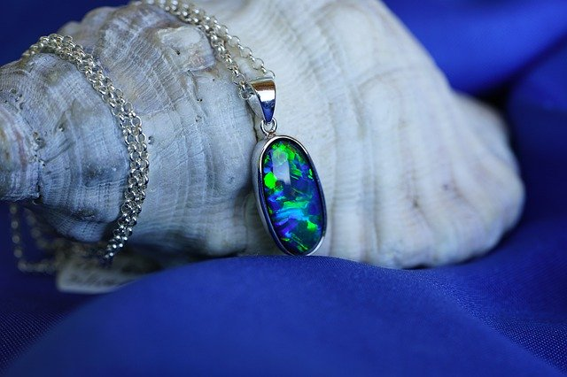 Why Do Opals Change Color? necklace