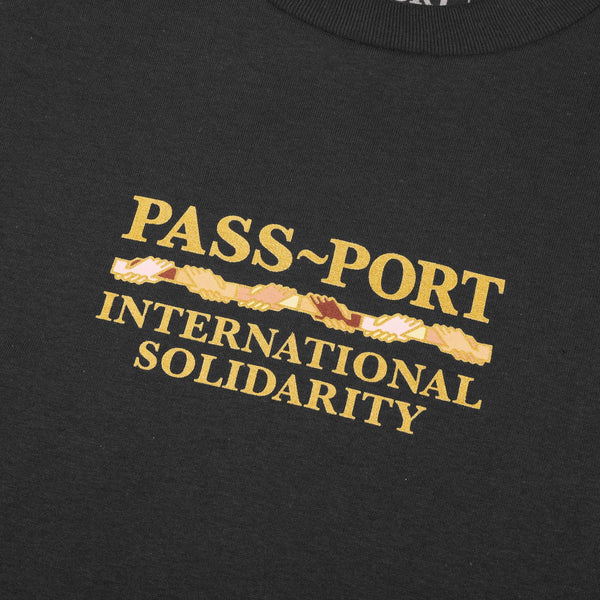 PASS~PORT INTER SOLID TEE TAR