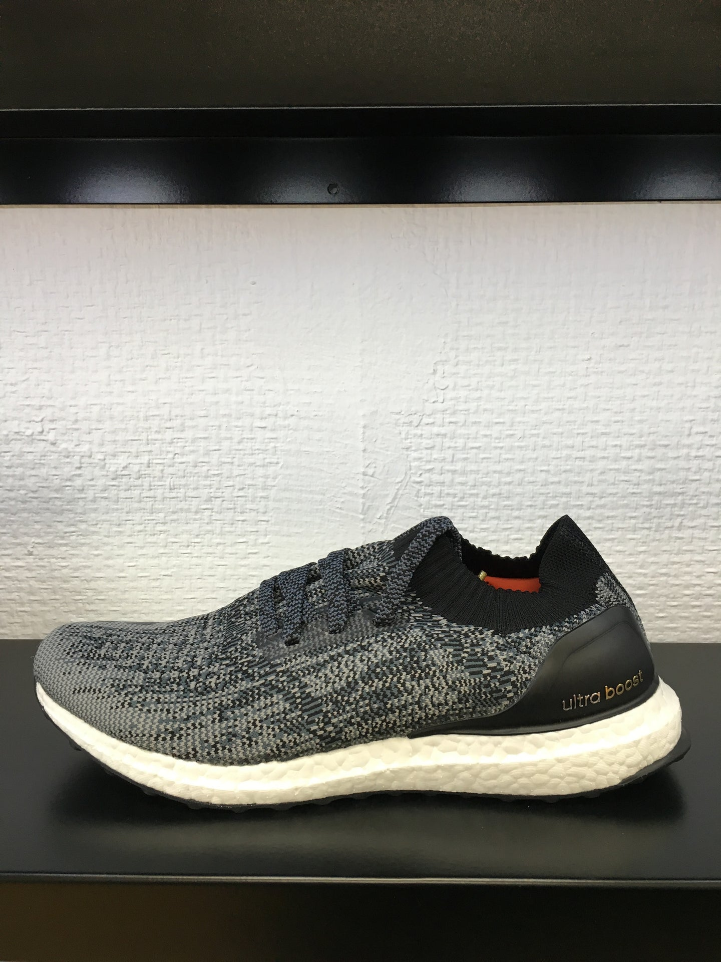 UltraBOOST Uncaged m (Black)