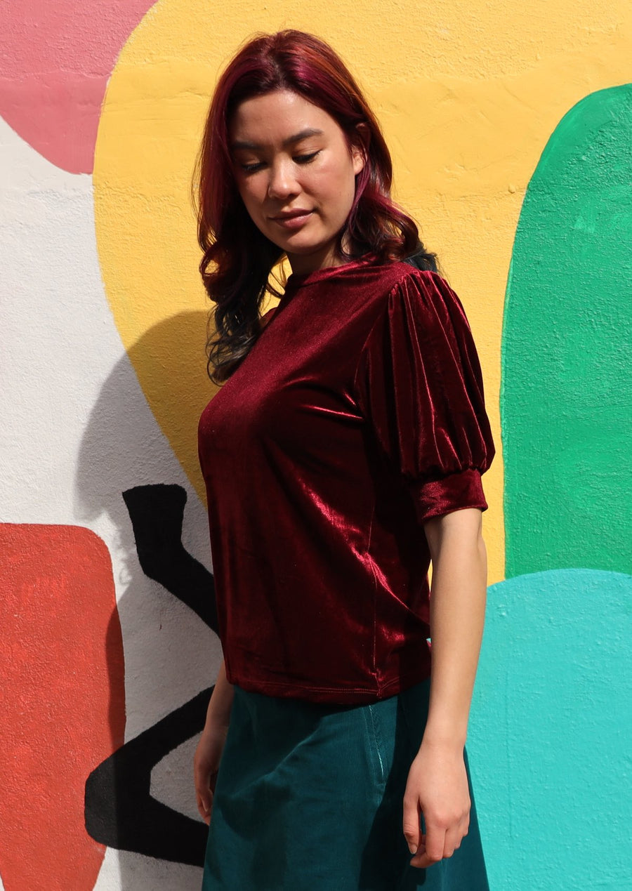 Aladdin Velvet Top Ruby