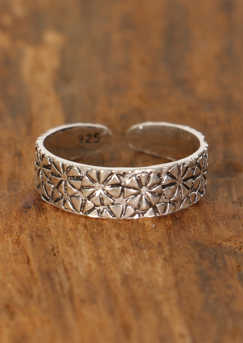 Silver Daisy Tile Toe Ring