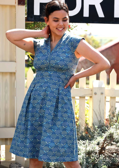 Billie Dress Fan Flower Blue