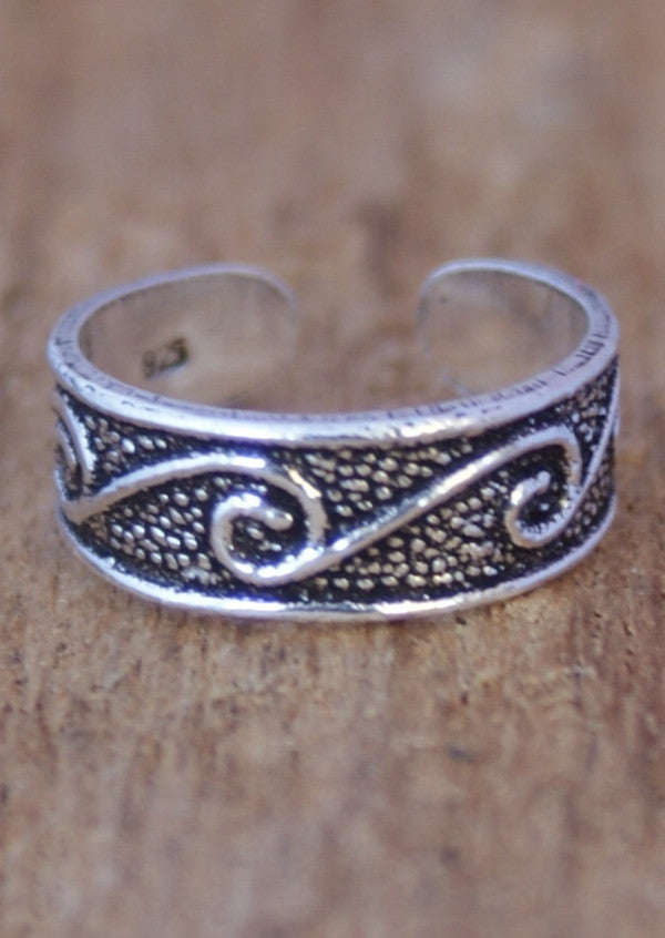 Silver Hammered Wave Toe Ring