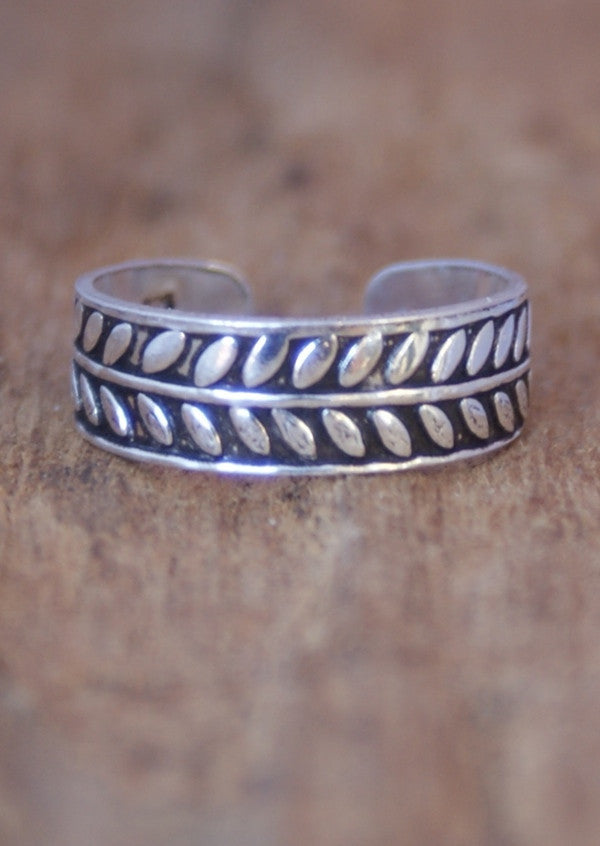 Silver Leaf Toe Ring