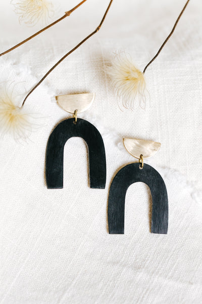 Black or White Arch Earrings