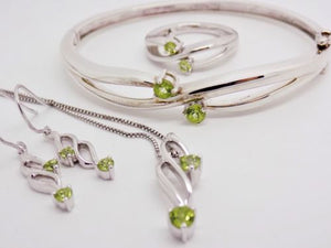 4 Pc Peridot Jewelry Set -Bangle Bracelet, Ring, Earrings, Necklace 925 NEW 634