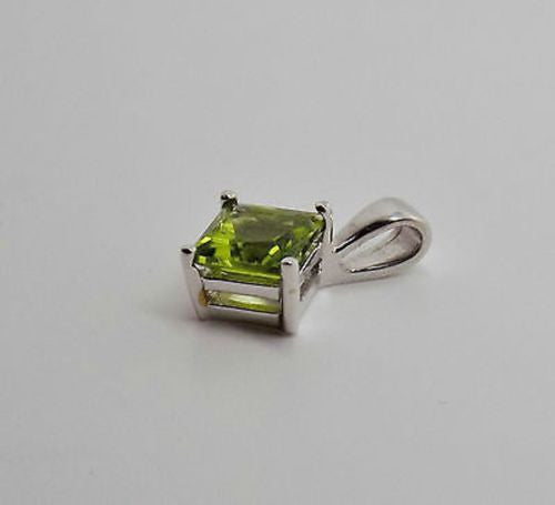 1.7 CT PRINCESS CUT PERIDOT PENDANT 18K SOLID GOLD 6mm NWOT 104